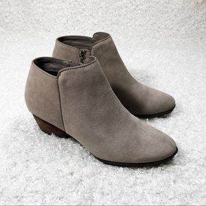Blondo Waterproof Ankle Booties